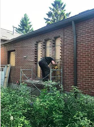 Closing window, brick work
