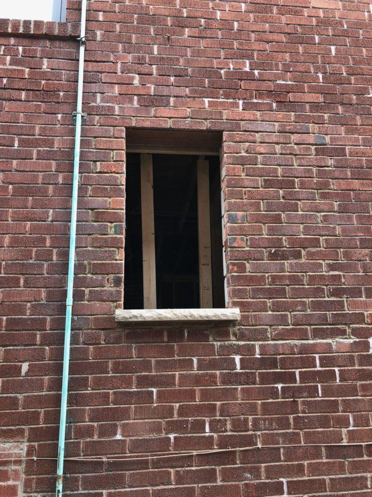 New window Sill, closing a window
